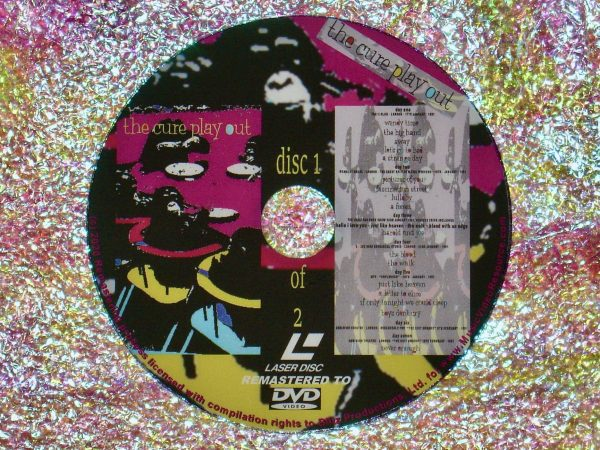 "the cure play out ""DELUXE EDITION"" 2 DVD Set disc 1 of 2 (1992) (Remastered from LaserDisc to DVD)"